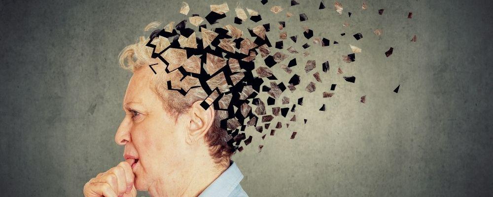 Vrouw die leidt aan geheugenverlies